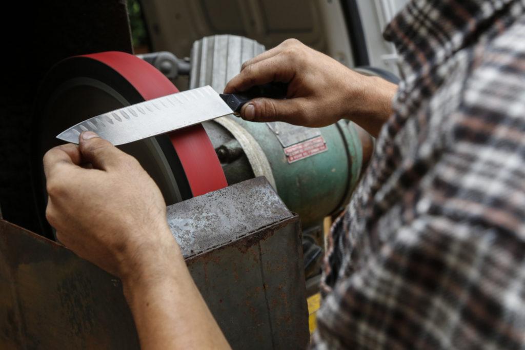 Arrotino - Servizi di affilatura lame e coltelli - 'L Cotèl - Alba Coltelleria