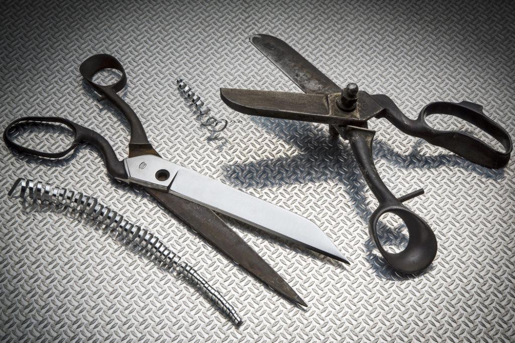 Arrotino - Servizi di affilatura professionale forbici e ripristino lame - L Cotel - Gioel Terlizzi - Alba Coltelleria