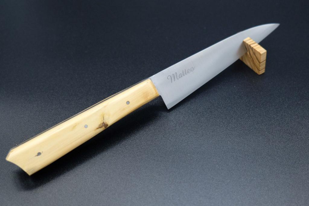 Coltello artigianale con manico in legno e scritta personalizzata su lama - 'L Cotel - Alba Coltelleria - Gioel Terlizzi